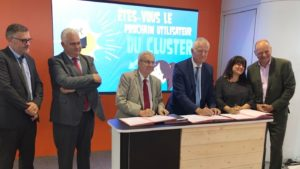Stakeholders signing the association's statutes at the Châlons Fair